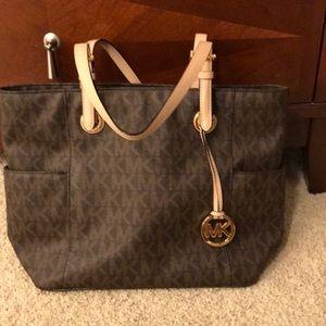 Authentic Michael Kors handbag. LIKE NEW.